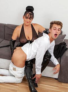 amateur spanking pictures