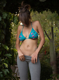 candid amateur photos of sexy women