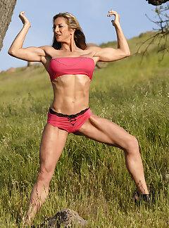 amateur female muscle
